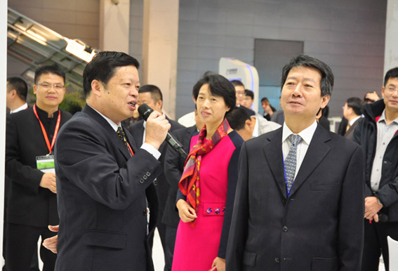 Deputy Director of NEA Visiting Zhenfa Booth at  the 6th CREC
